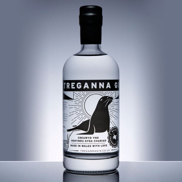A bottle of Treganna Gin 500ml